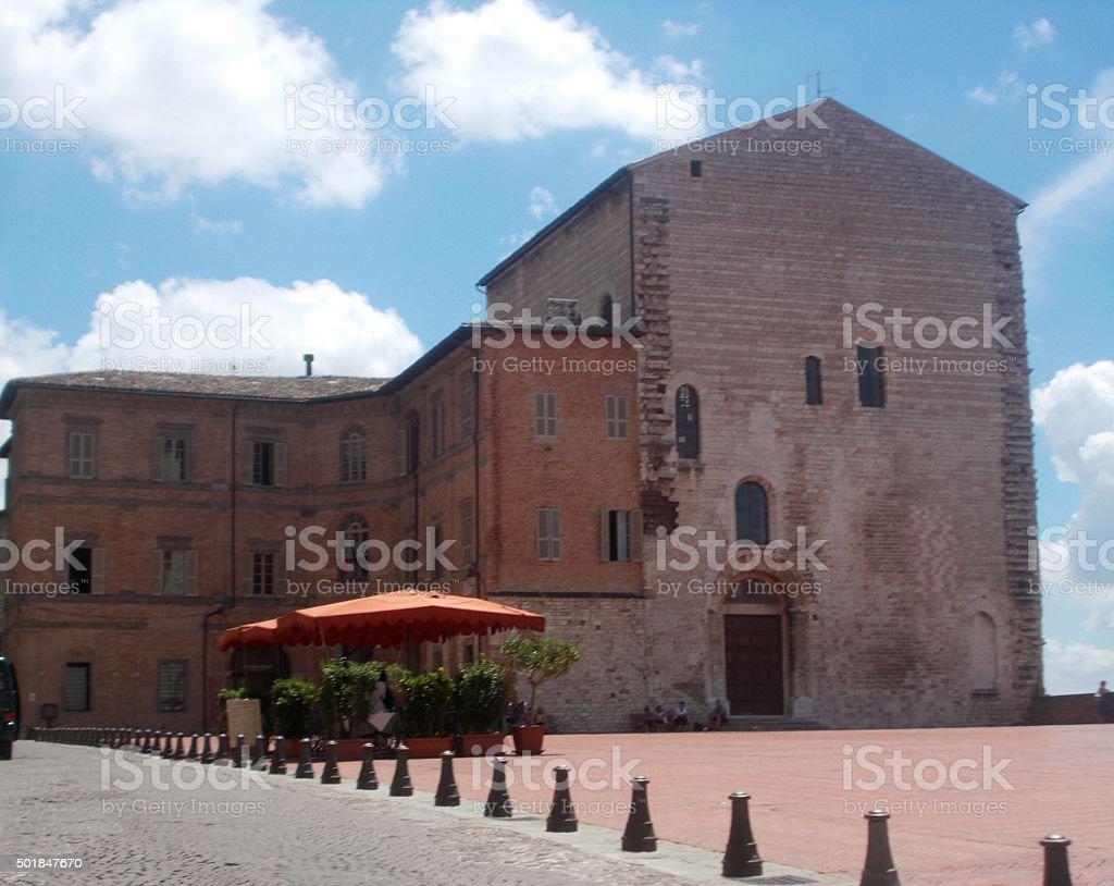 gubbio - piazza grande ( piazza della signoria) stock photo