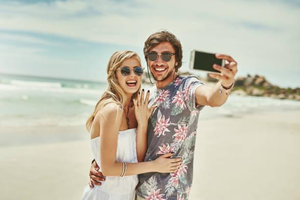 ratet mal, wer beschäftigt ist?! - happy weekend bilder stock-fotos und bilder