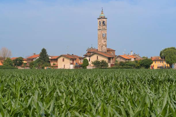 Gugnano, Lombardia: vila rural - foto de acervo
