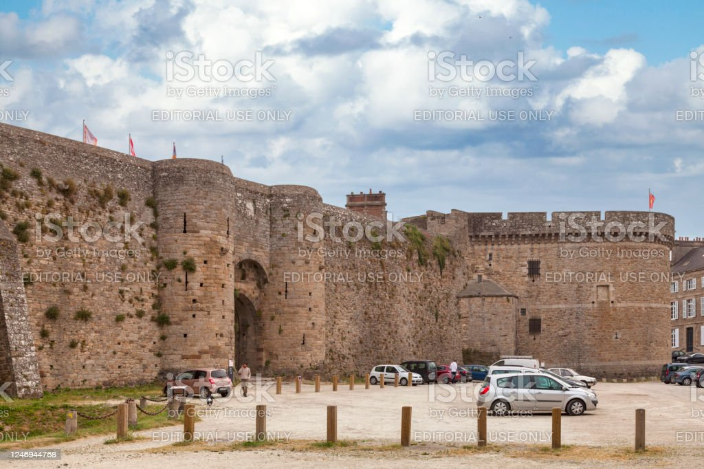 Guichet gate and the Coëtquen tower of the castle of Dinan - Royalty-free Ancient Stock Photo