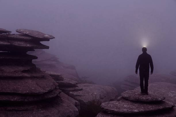Guide lighting in the fog in the natural park of el torcal de in picture id1200994671?b=1&k=6&m=1200994671&s=612x612&w=0&h=btl8mi0dkfiofh1nxbvd4nle 47fb5ygljsvdosmfqs=
