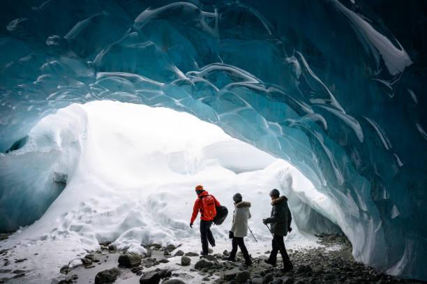 Geführte Tour in eine majestätische Eishöhle – Foto