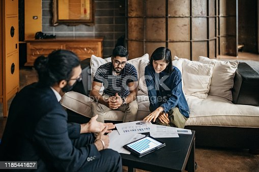 istock Guiding them to make good decisions for their financial future 1185441627