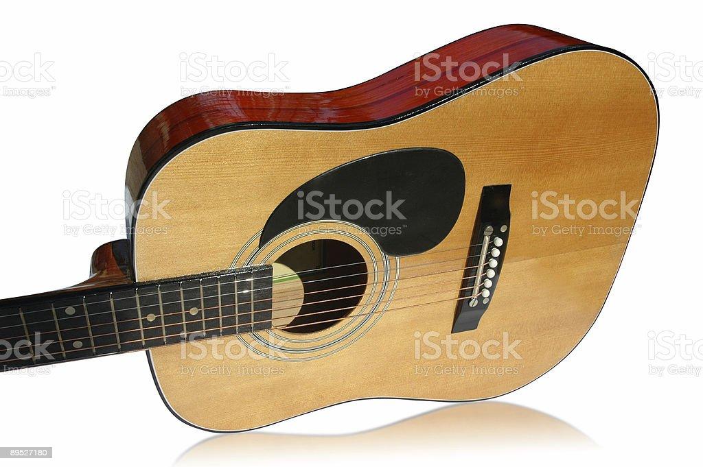 Guitare isolé avec un Tracé de détourage photo libre de droits