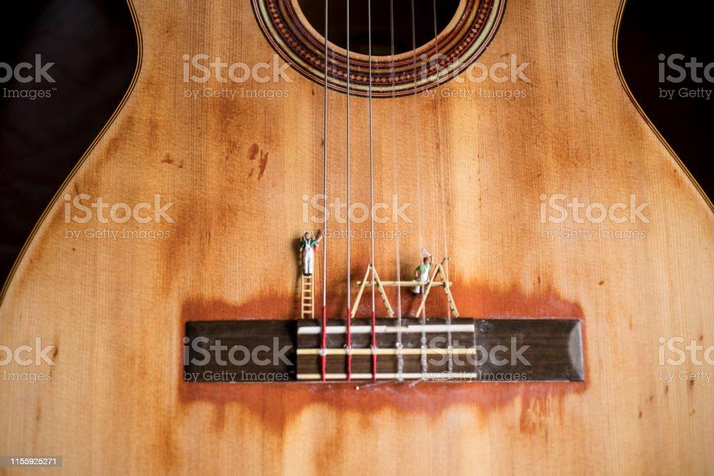 Photo Libre De Droit De Peinture De Guitare Banque D Images Et Plus D Images Libres De Droit De Arts Culture Et Spectacles Istock