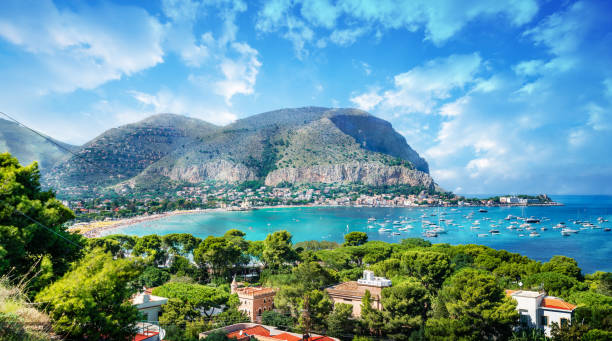 Gulf of Mondello and Monte Pellegrino View of the gulf of Mondello and Monte Pellegrino, Palermo, Sicily island, Italy sicily stock pictures, royalty-free photos & images