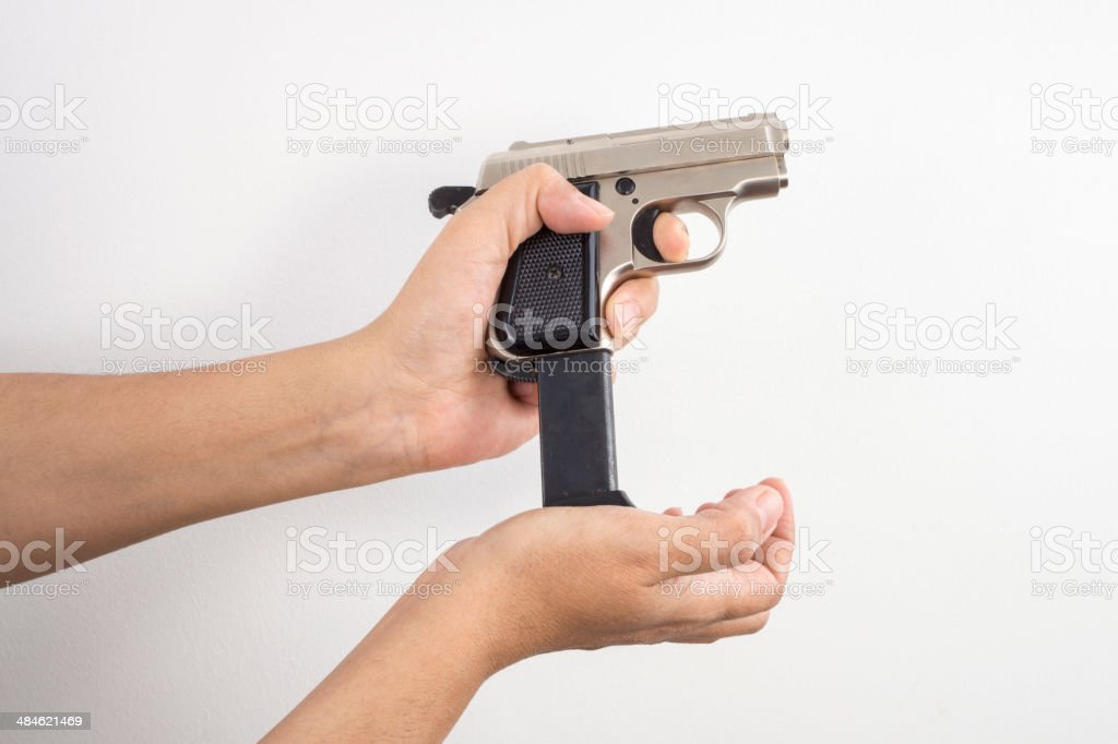 Pistola en la mano - foto de stock