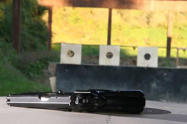 gun - killer workouts stock-fotos und bilder