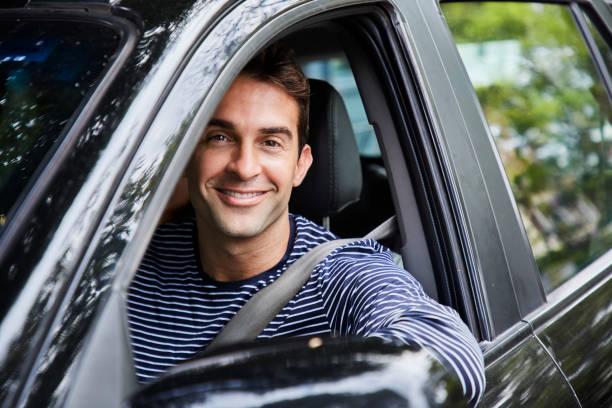 kerl fahren - einzelner mann über 30 stock-fotos und bilder