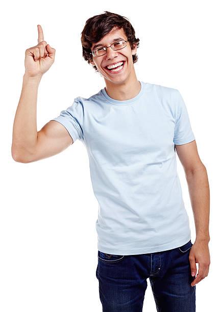 guy zeigt sich mit hand - geek t shirts stock-fotos und bilder