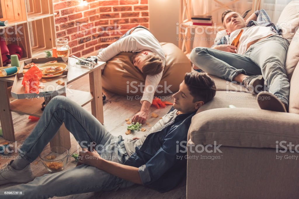 Guys after the party – Foto