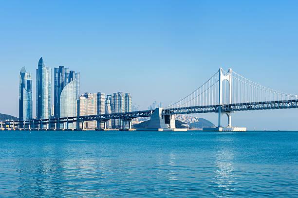 gwangan bridge and haeundae in busan. - 釜山 ストックフォトと画像