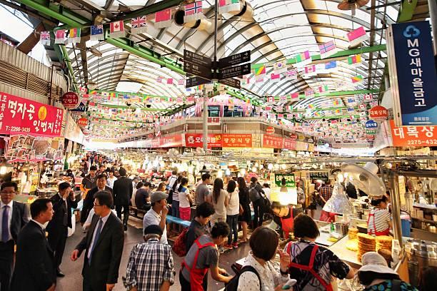 gwangjang market - korea stockfoto's en -beelden