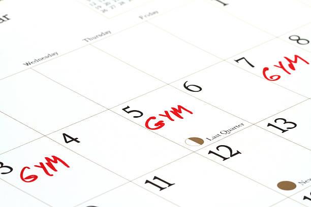 gym dates on calendar - calendar workout bildbanksfoton och bilder