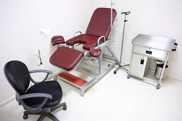 Frauenarzt Stuhl - Bilder und Stockfotos - iStock