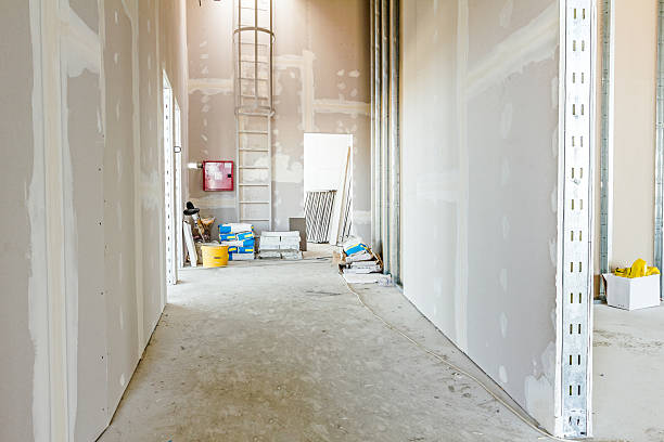 Gypsum wall under construction, ready for next step - foto de stock