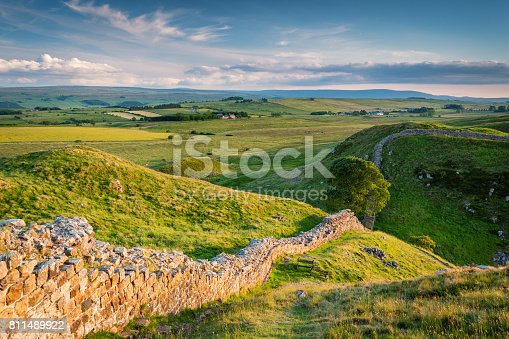 istock Hadrian's Wall above Steel Rigg 811489922