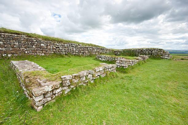 hadrian's wall milecastle 37 - hadrian's wall stock-fotos und bilder