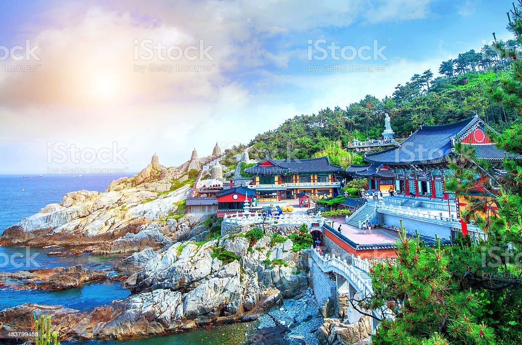 Haedong Yonggungsa 寺や海にお勧めの釜山の海雲台,South Korea - 2015年のロイヤリティフリーストックフォト