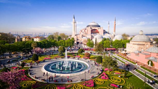 hagia sophia in istanbul, turkey. - стамбул стоковые фото и изображения