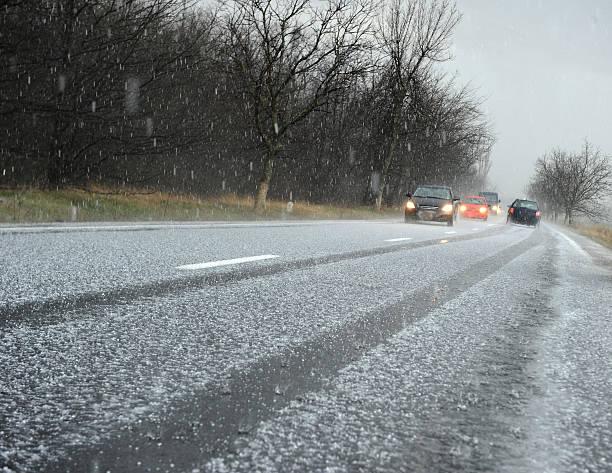 hailstorm - cold street bildbanksfoton och bilder