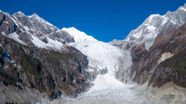 hailuogou glacier, moxi town, luding ilçesi, sichuan, çin - ganzi tibet özerk bölgesi stok fotoğraflar ve resimler