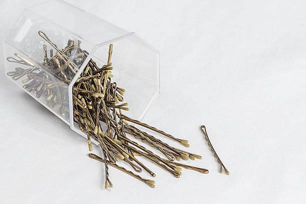haar-pins - haarnadeln stock-fotos und bilder