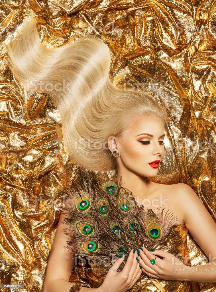 Haarwelle Fashion Model Golden Frisur Frau Lange Haare Gold