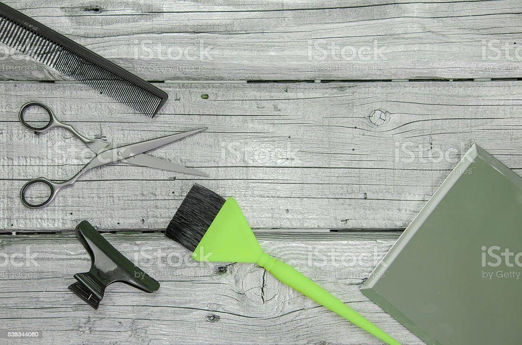 Parrucchiere strumento su un Trattato bordo color argento - foto stock