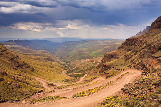 Hairpin turns in the Sani Pass in South Africa – Foto