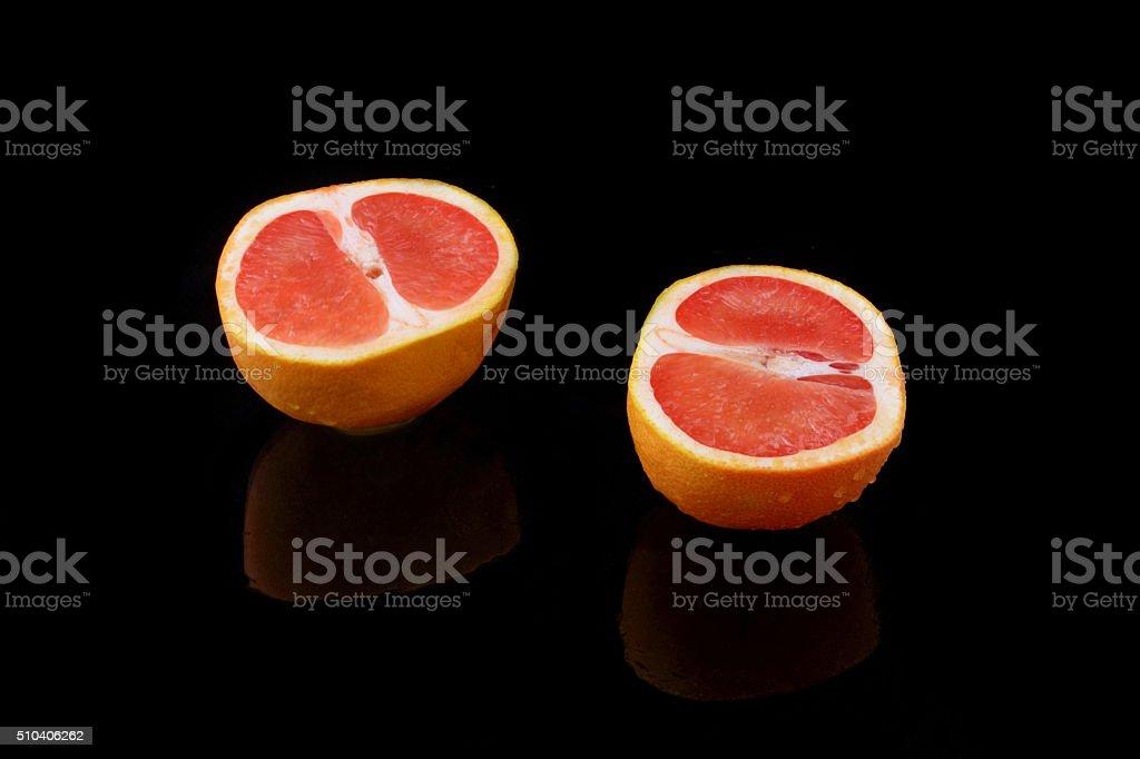 halbierte grapefruit stock photo