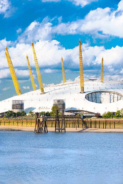 o2 hall, london - kubbe stok fotoğraflar ve resimler