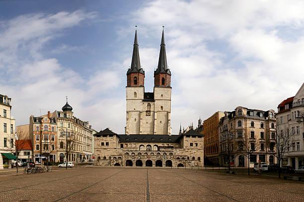 halle (saale) hallmarkt mit marktkirche - andreas weber stock-fotos und bilder