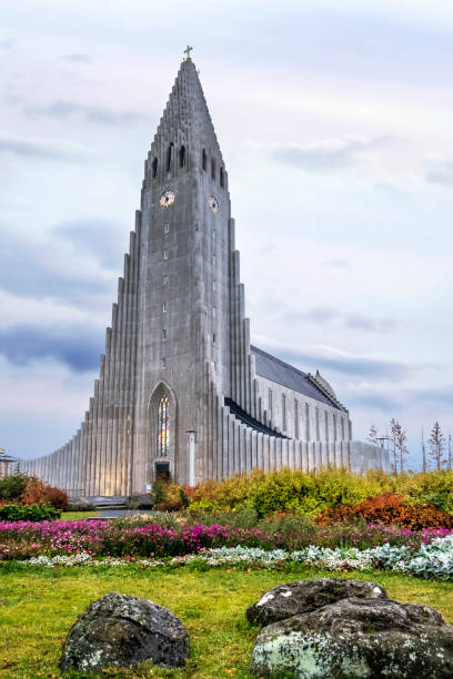 Hallgrimskirkja Cathedral in Reykjavik, Iceland, lutheran parish church, exterior in the evening Hallgrimskirkja Cathedral in Reykjavik, Iceland, lutheran parish church, exterior in the evening Hallgrímskirkja church stock pictures, royalty-free photos & images