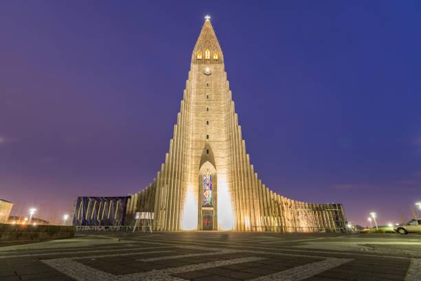 Hallgrimskirkja Cathedral Hallgrimskirkja Cathedral Reykjavik Iceland at sunset twilight Hallgrímskirkja church stock pictures, royalty-free photos & images