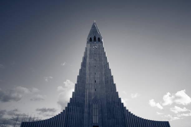 hallgrimskirkja church in reykjavik, iceland beautiful hallgrimskirkja church in reykjavik, iceland. Hallgrímskirkja church stock pictures, royalty-free photos & images