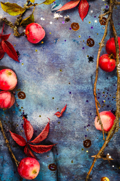 Fondo de Halloween con manzanas - foto de stock