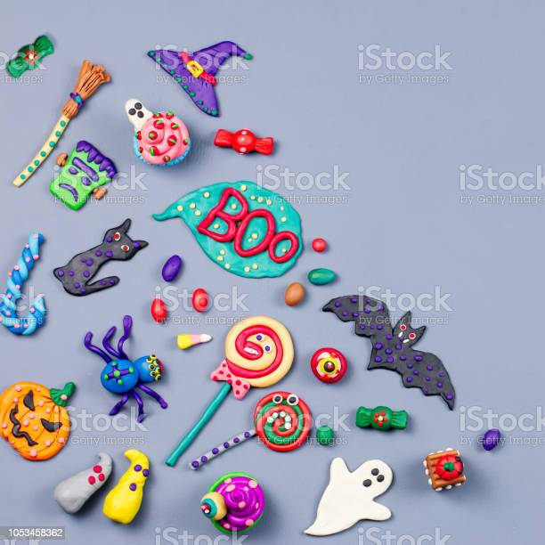 Halloween background with decorations black cat bats witches hat and picture id1053458362?b=1&k=6&m=1053458362&s=612x612&h=l2q6wgg6ptbiwdlyqzaqguqlovo70ulysl1ufxiccwk=