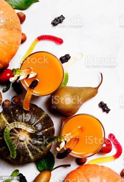 Halloween background with pumpkin juice picture id859951820?b=1&k=6&m=859951820&s=612x612&h=4gd1lhcxzz0dkvaypw ks5ont0aix6grjny8cir9csg=
