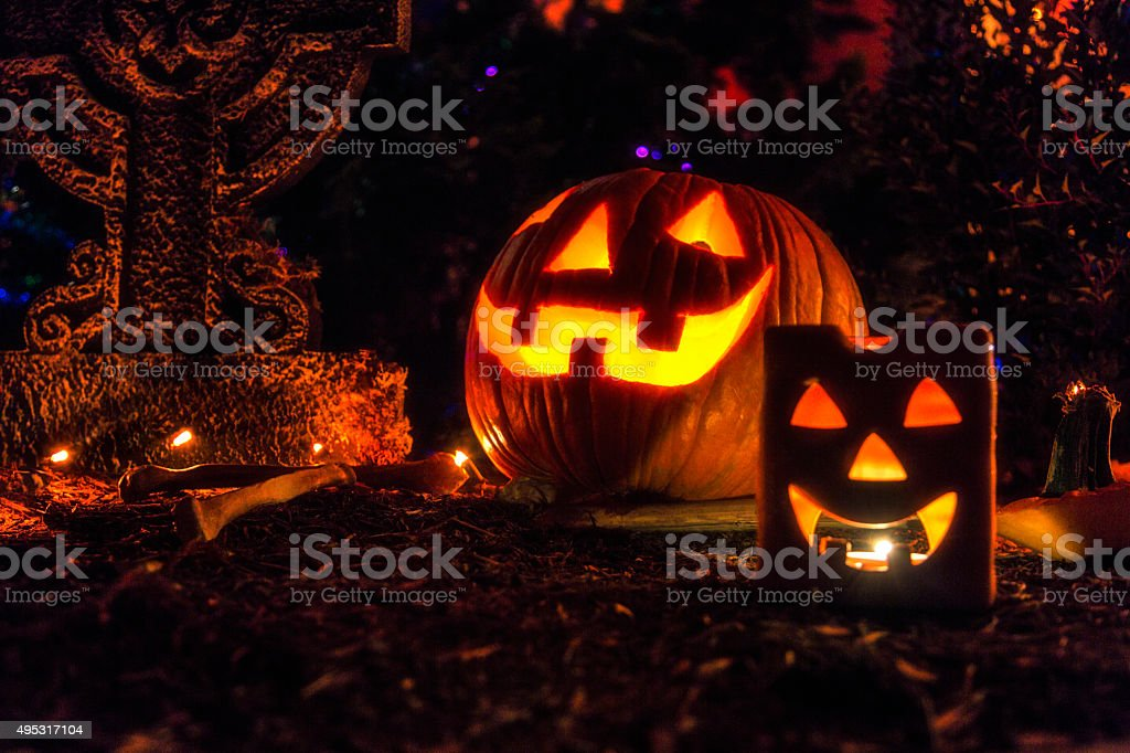 Cimitero di halloween cimitero jack olantern pumpkins fotografie
