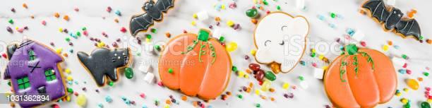 Halloween cookies and candies picture id1031362894?b=1&k=6&m=1031362894&s=612x612&h=7ztetzljzoknlqyqy4fbnrsgpg5bmghxqcum84x hvq=
