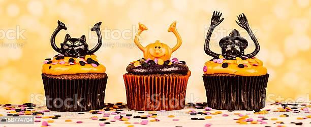 Halloween cupcake characters picture id186774704?b=1&k=6&m=186774704&s=612x612&h=snhthaxqx3oi2psabhwag9u3zpy0rxvk1u9tkj7kuqe=
