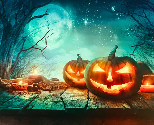 halloween design with pumpkins - halloween party einladungen stock-fotos und bilder