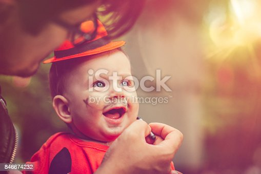 istock Halloween family 846674232