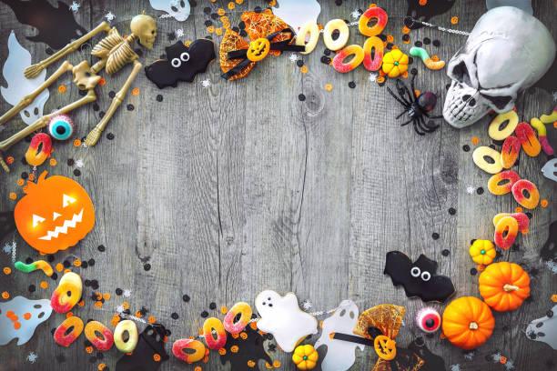 halloween holiday background - halloween candy стоковые фото и изображения