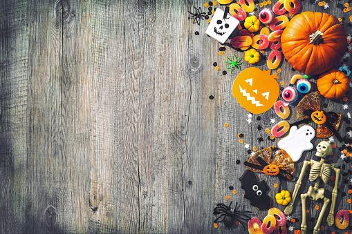 istock Halloween holiday background 683619996
