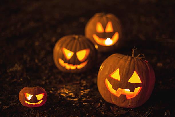 jack-o-lanternas de halloween - lanterna de halloween - fotografias e filmes do acervo