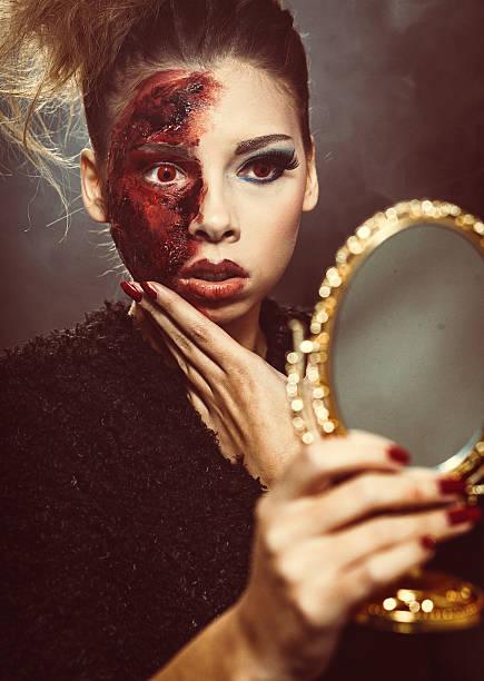 halloween living toten schönheit - teufel schminken stock-fotos und bilder