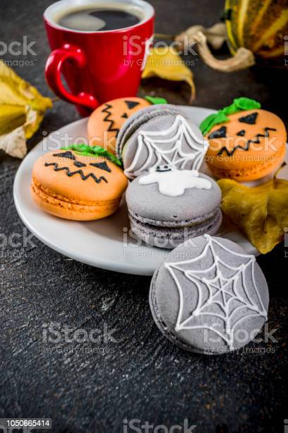 Halloween macaron cookies picture id1050665414?b=1&k=6&m=1050665414&s=612x612&h=sdiqpfylu8jeb3bfvb5wlrwopsy7nyxbf8dgvyyfduc=