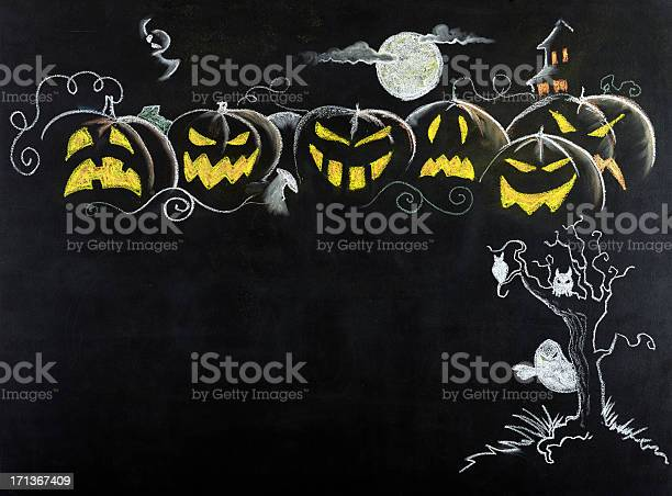 Halloween night scenecopy space picture id171367409?b=1&k=6&m=171367409&s=612x612&h=dgc8 piwk9nbzlmbmvn1t4 5nd zb6lo6rwvfrdjois=